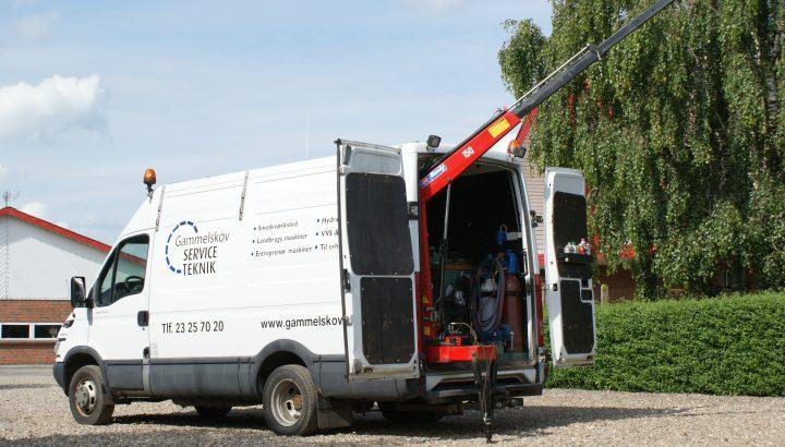 Service og reparation af industrimaskiner, skovmaskiner og landbrugsmaskiner