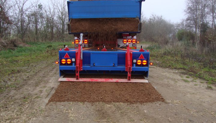 Grusudlægger til lastbil. Grusudlægger til traktor. Reparation af grusveje.